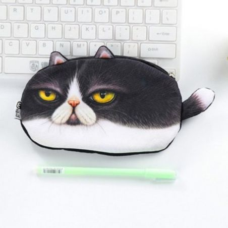 chat trousse