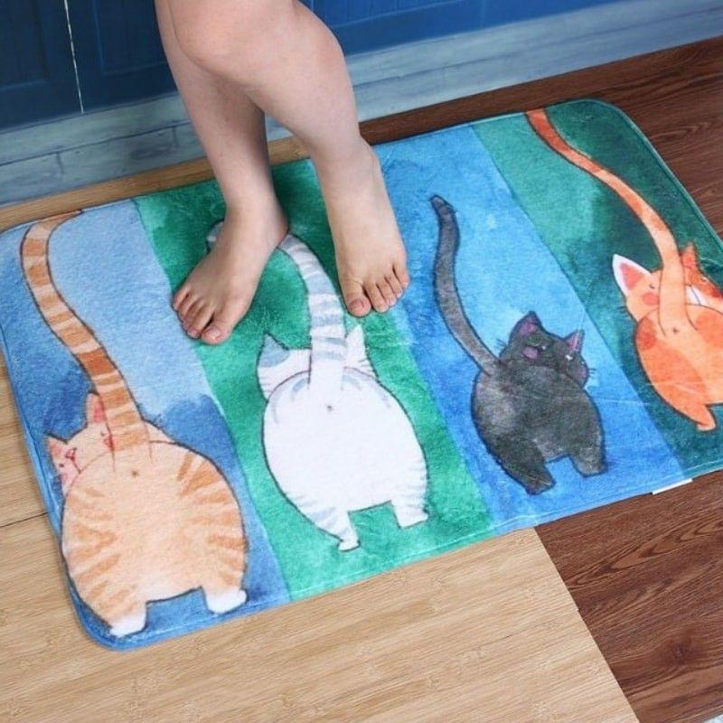 grand tapis salle de bain avec chat